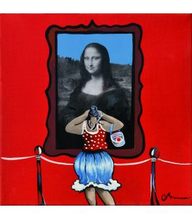 Julie takes advantage of a lull to take the Mona Lisa in photography - Painting by Corinne Brenner