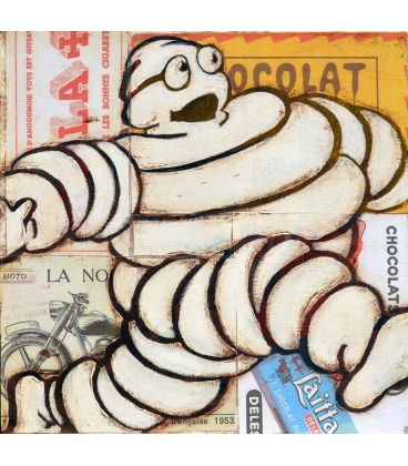 Michelin Man on advertising background n°1